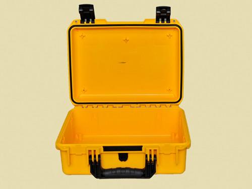 22 inch case M2200